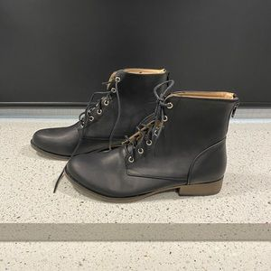 Chase + Chloe Shoes - Chase Chloe Size 9 Combat Boots